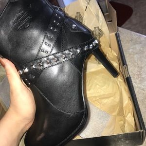 NWT HARLEY DAVIDSON Leather Studded Ankle Booties!